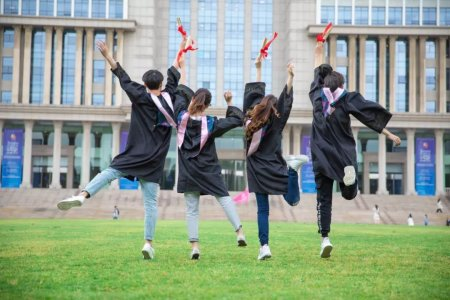 成人高考要多少年毕业?